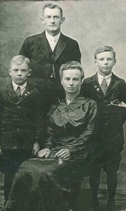Diedrich W. and Rosy Kloempken with sons John (left) and Dietrich